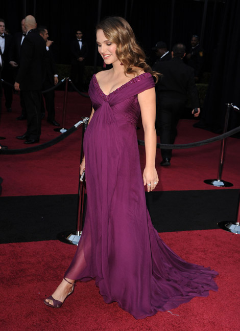Natalie-Portman-purple-Rodarte-dress-2011-Oscars-red-carpet