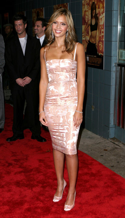 jessica-alba-honey-premiere-dolce-and-gabbana-pink-dress-2003-h724