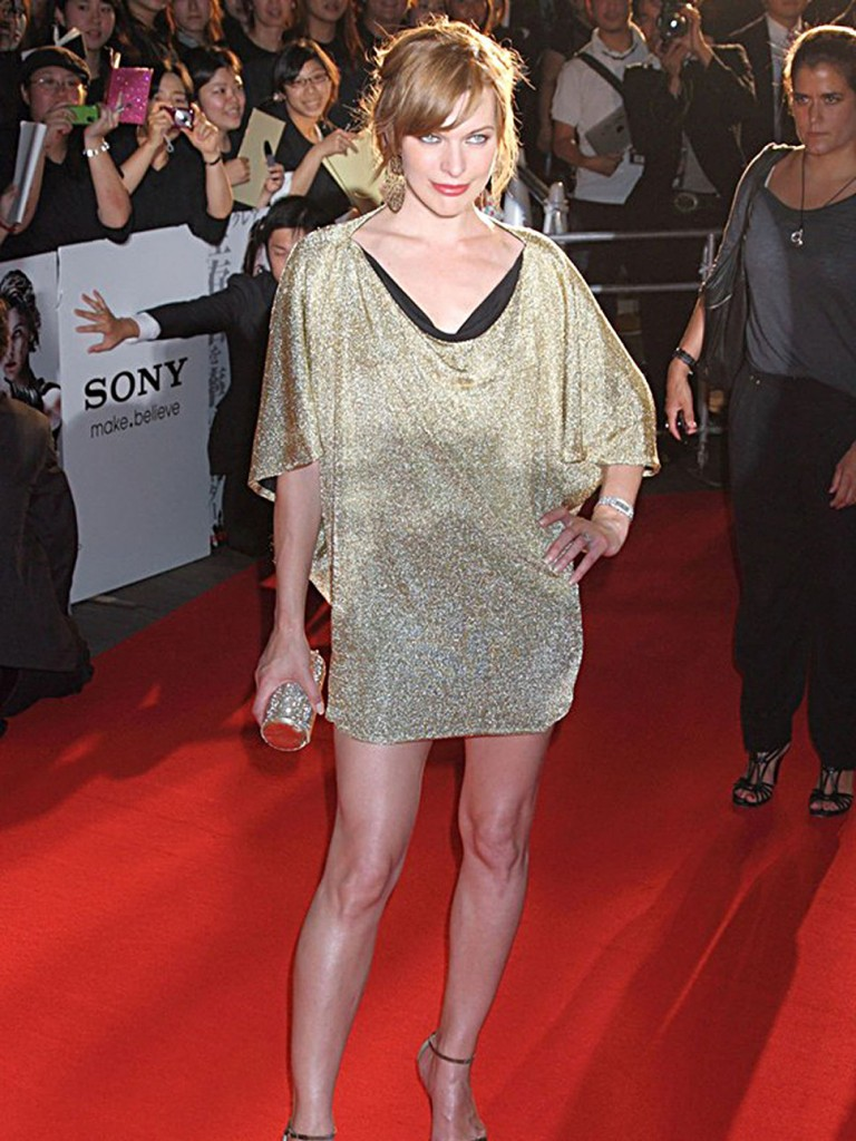 milla_jovovich_golden_mini_met